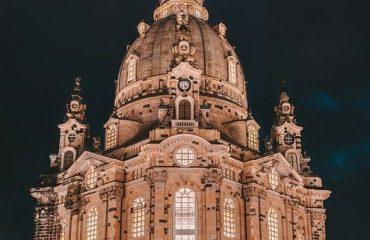 frauenkirche-3681383_640