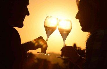 Champagner - Sonnenuntergang - abilitychannel Adobe Stock