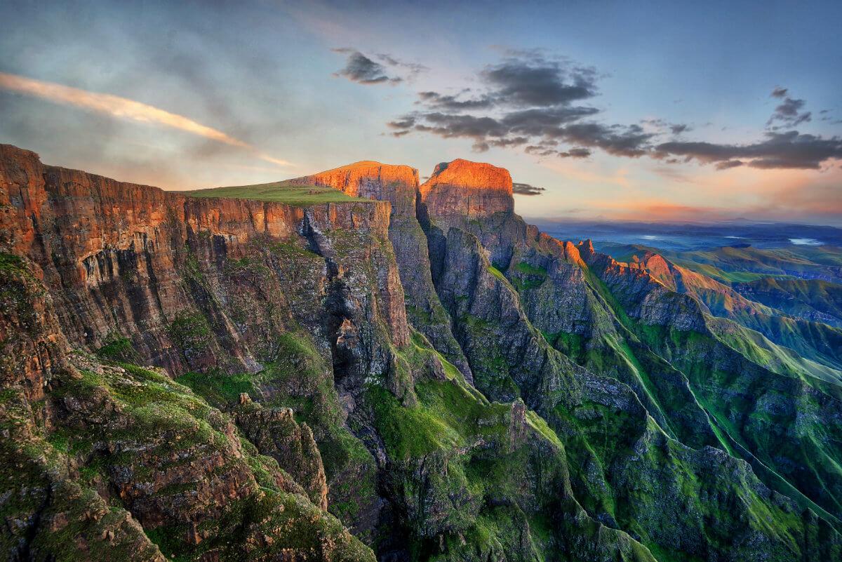 shutterstock 1049896598 1 - Höhepunkte im Norden Südafrikas