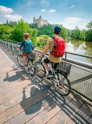 Eichstätt Radler unter Willibaldsburg 3 313x418 - Neu: Begleitete und individuelle Radreisen