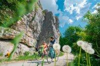 Radler Felsen vor Dollnstein 2 201x134 - Neu: Begleitete und individuelle Radreisen